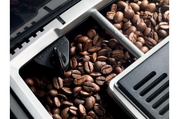 cuisine appareils machine caf expresso avec broyeur. Black Bedroom Furniture Sets. Home Design Ideas